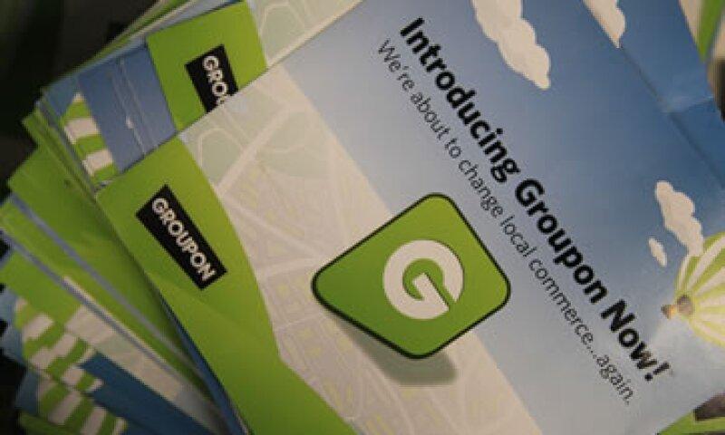 Groupon debutó con gran publicidad el mes pasado y sus acciones subieron hasta 31.14 dólares, o un 56%. (Foto: AP)
