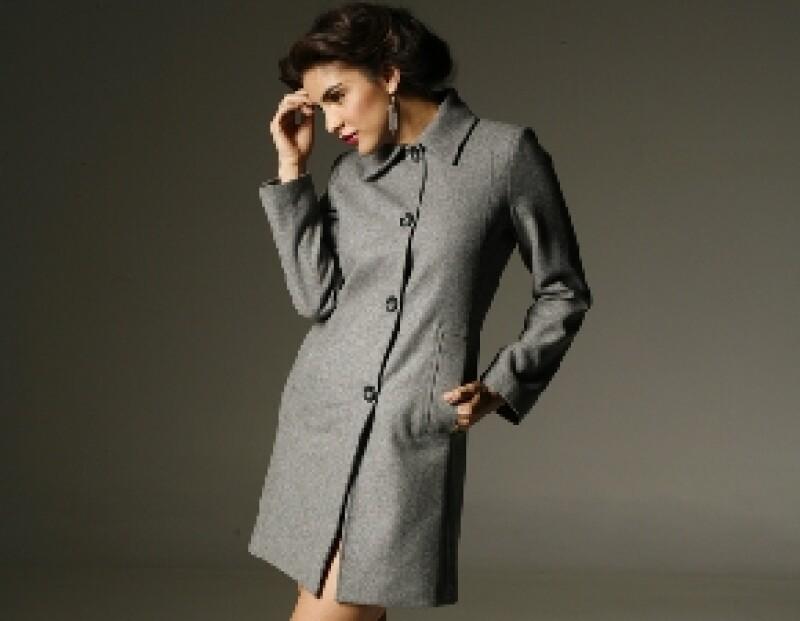 Los abrigos diseñados por Jaime son elegantes, clásicos y muy femeninos.