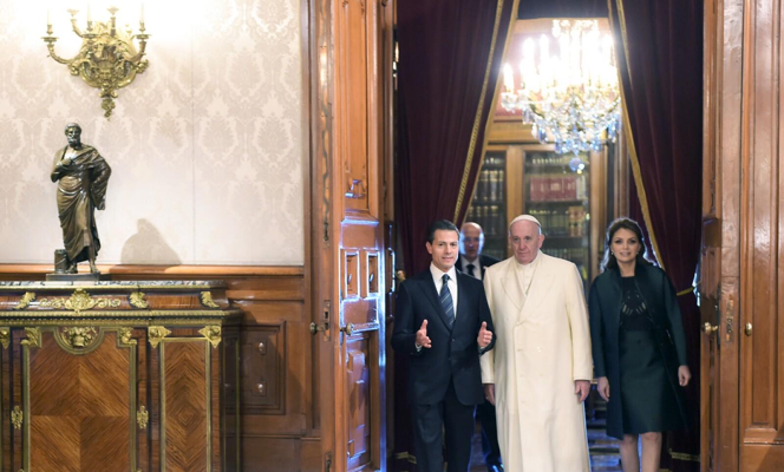 Peña Nieto y su esposa Angélica Rivera dieron un recorrido por el recinto para mostrarle detalles del lugar.
