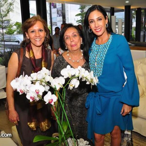 Leonor Riveramelo,Guadalupe Espinosa,María Laura Medina de Salinas Pliego.