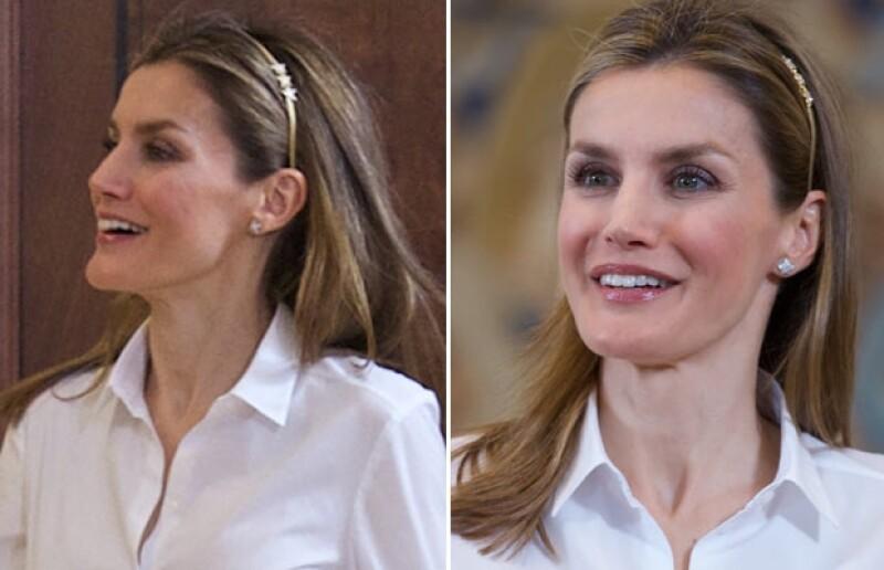 La esposa del príncipe Felipe de España llamó la atención en una reunión al portar una diadema metalizada infantil.