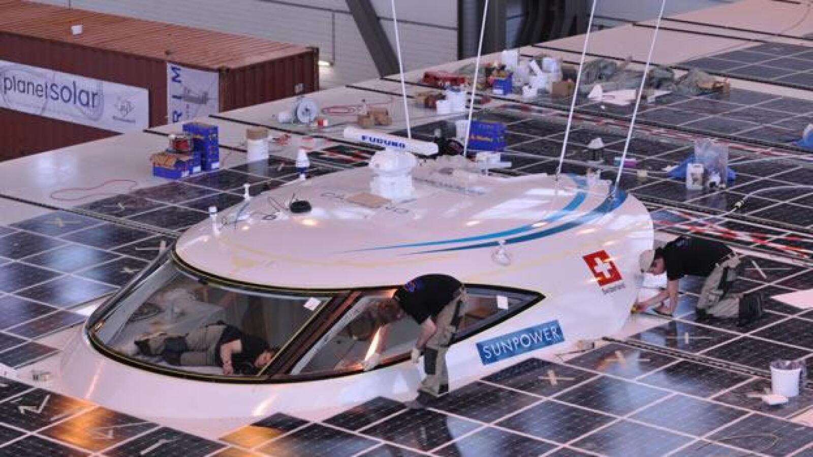 yate buque mas grande energia solar sol escotilla
