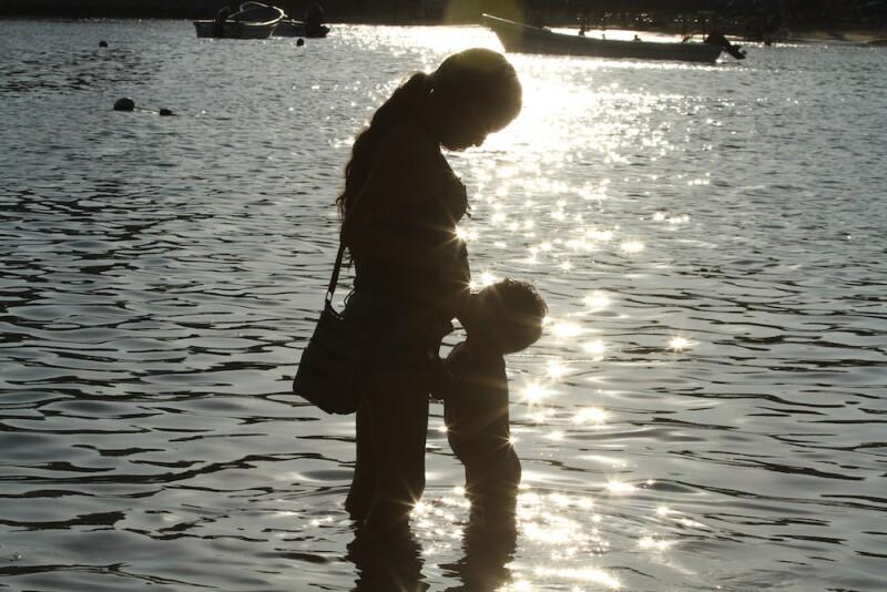 Madre soltera - madre adolescente - madre joven - Día de las Madres