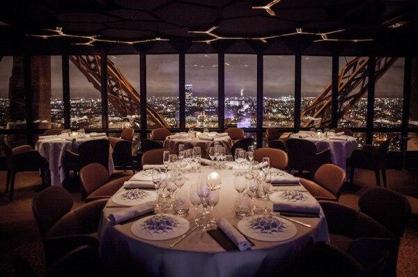 Jules-Verne-Restaurant