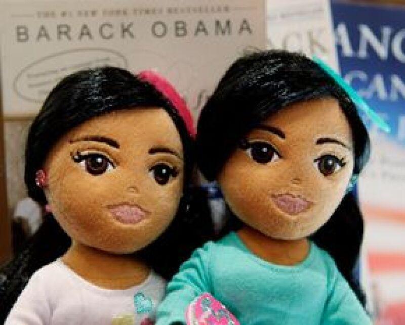 Debido a que a Michelle Obama no le agradó que los juguetes se llamaran como sus hijas, la compañía las rebautizó como Marvelous Mariah y Sweet Sidney.