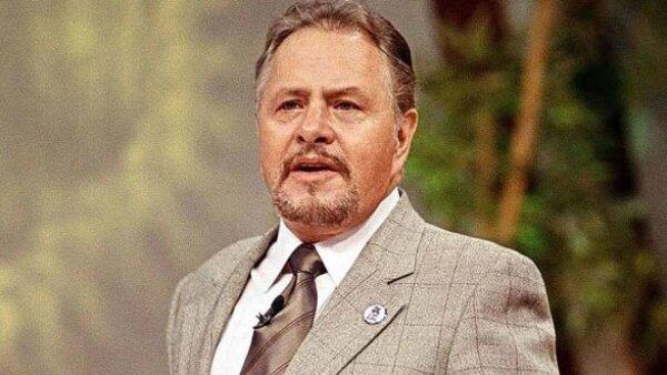 El 7 de junio de 1999, el conductor de televisión fue asesinado al impactarle varios tiros de metralladora, cuando salía de un restaurante al sur de la Ciudad de México.