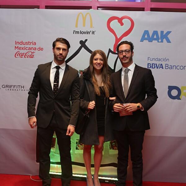 Alan Abruan,Nicole Ades y Alejandro Karam