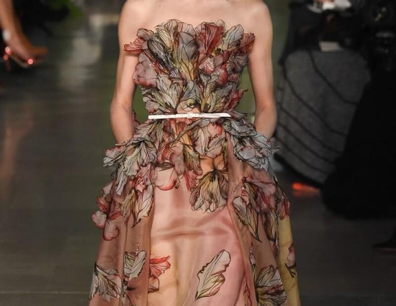 Diseño Elie Saab de la colección Haute Couture Spring 2016.
