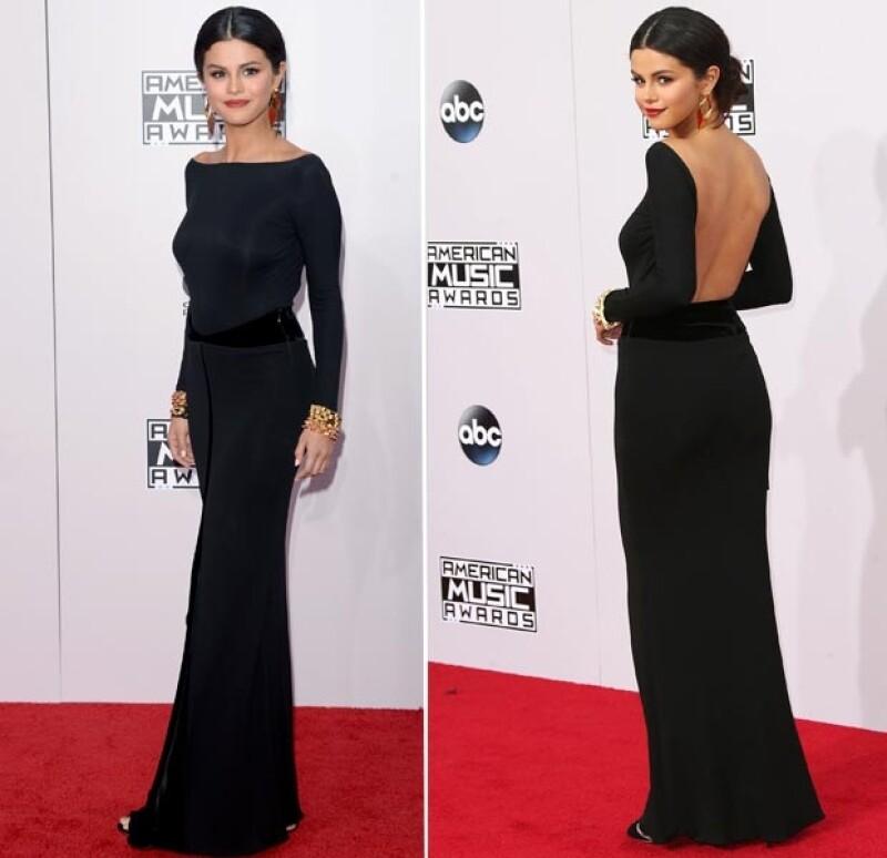 Selena Gomez lució este elegante diseño en negro.