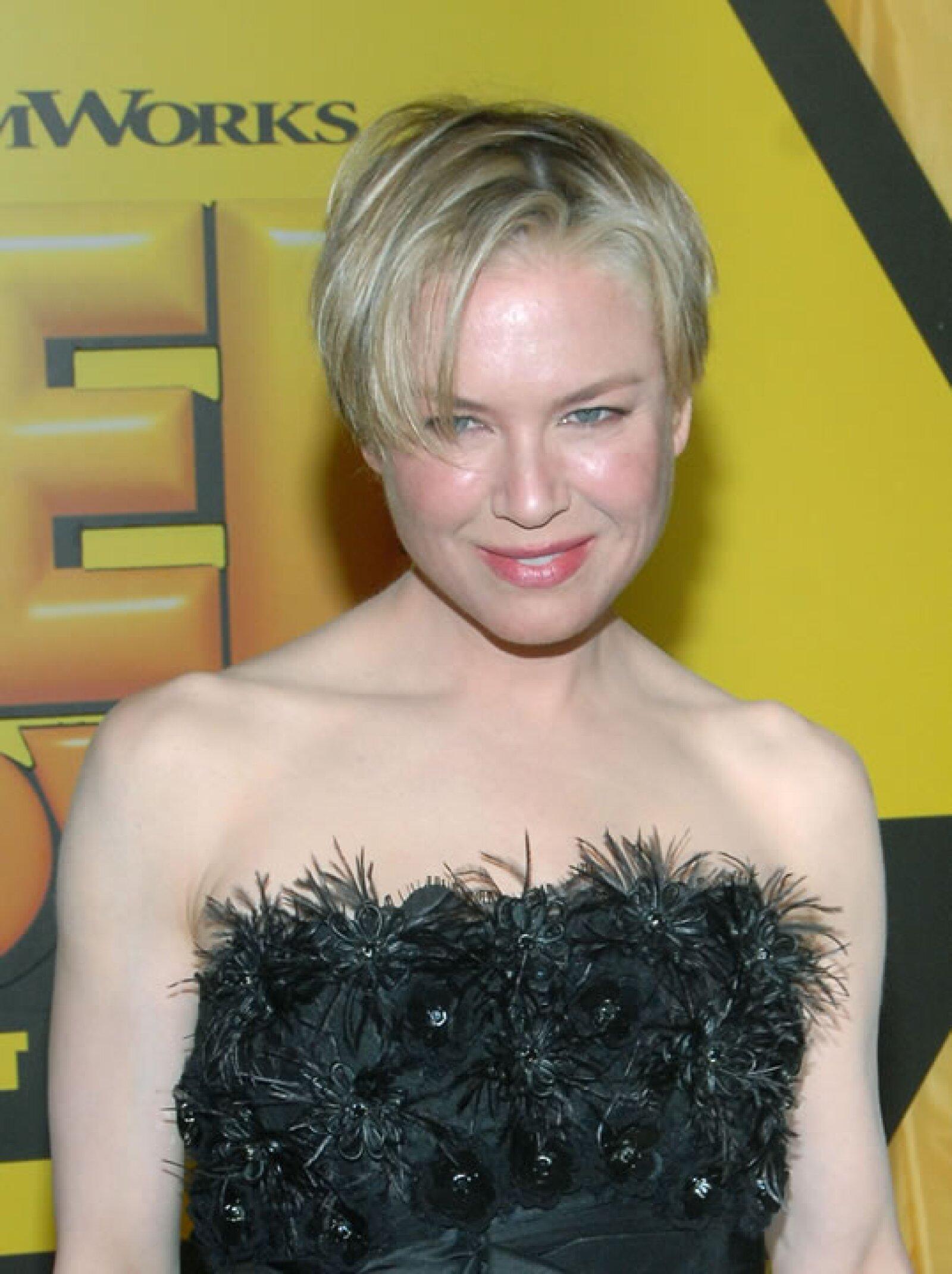 Renee Zelwegger- Un pelo corto puede ser sexy, siempre y cuando se le de el cuidado que requiere para lucir impecable, pero definitivamente la actriz no lo sabía.