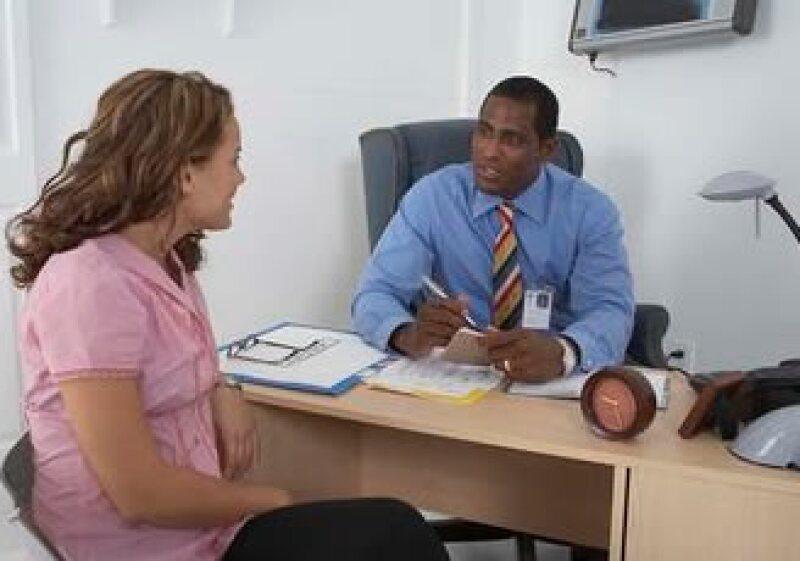 Expertos sugieren usar referencias distintas al momento de postularte para un empleo. (Foto: Jupiter Images)