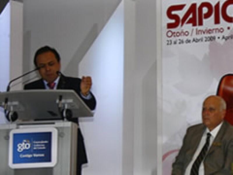 Armando Martín Dueñas, presidente de la Cámara de la Industria del Calzado de Guanajuato (Ciceg), inauguró ayer el Salón de la Piel y el Calzado. (Foto: Ezequiel Hernández)
