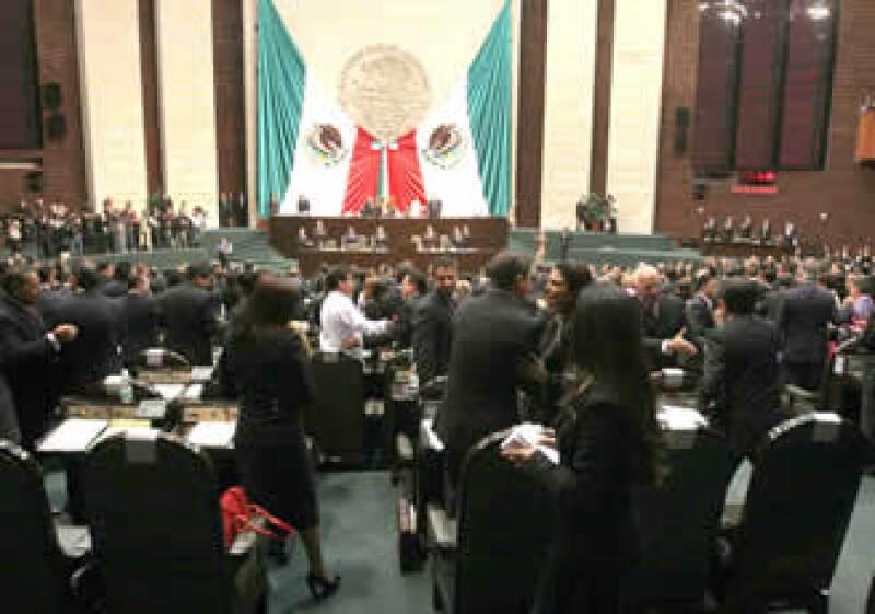 La Cámara de Diputados debe aprobar el plan de ingresos 2010 a más tardar este martes. (Foto: Archivo NTX)