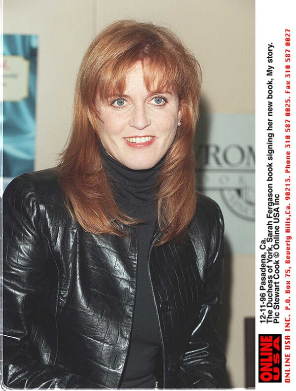 12-11-96 Pasadena, Ca. The Duchess of York, Sarah Fergason at the launch of her book, My story.