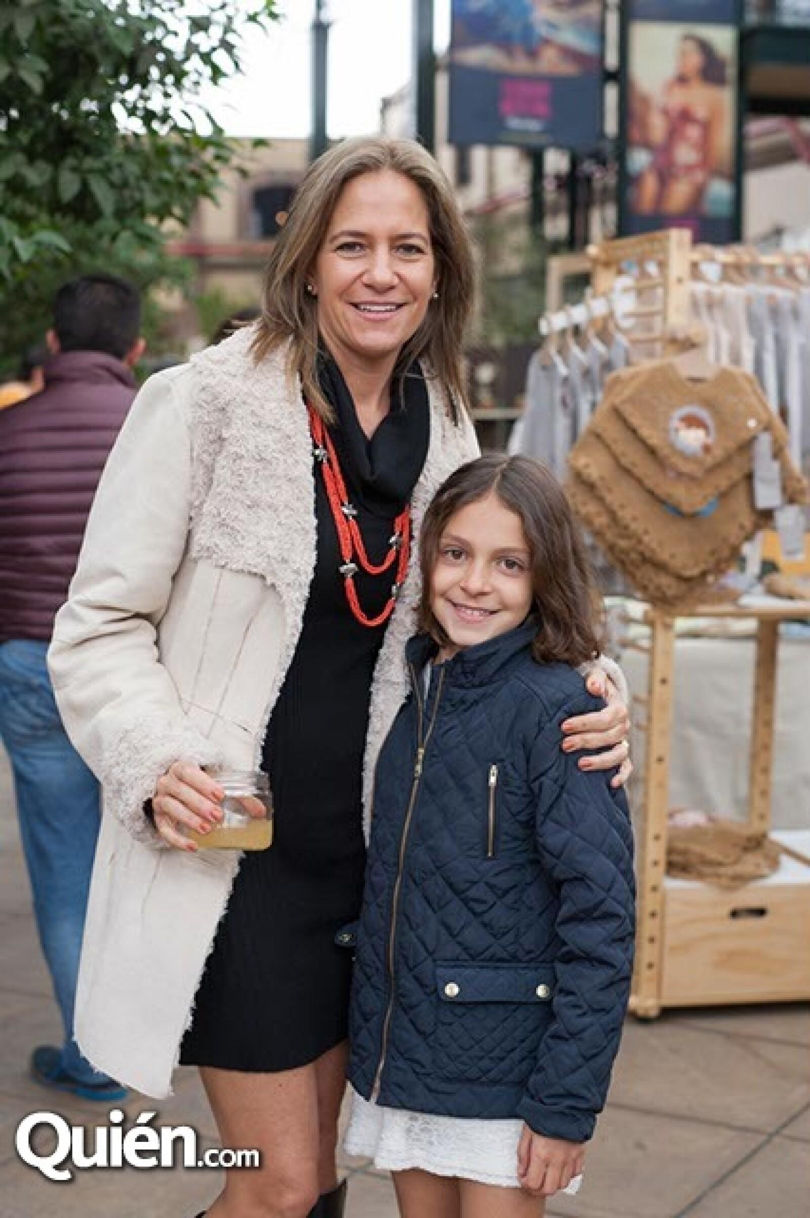 Alejandra González y María García