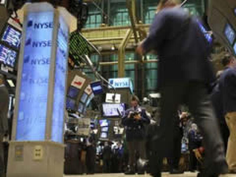 Los mercados de Nueva York operan con fuertes ganancias a media jornada del martes. (Foto: Archivo)