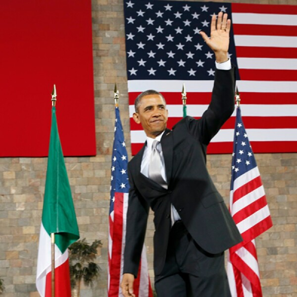 """""""Que Dios los bendiga"""", fue la frase con la que cerró Barack Obama su discurso ante los aplausos de los asistentes en el Museo de Antropología."""