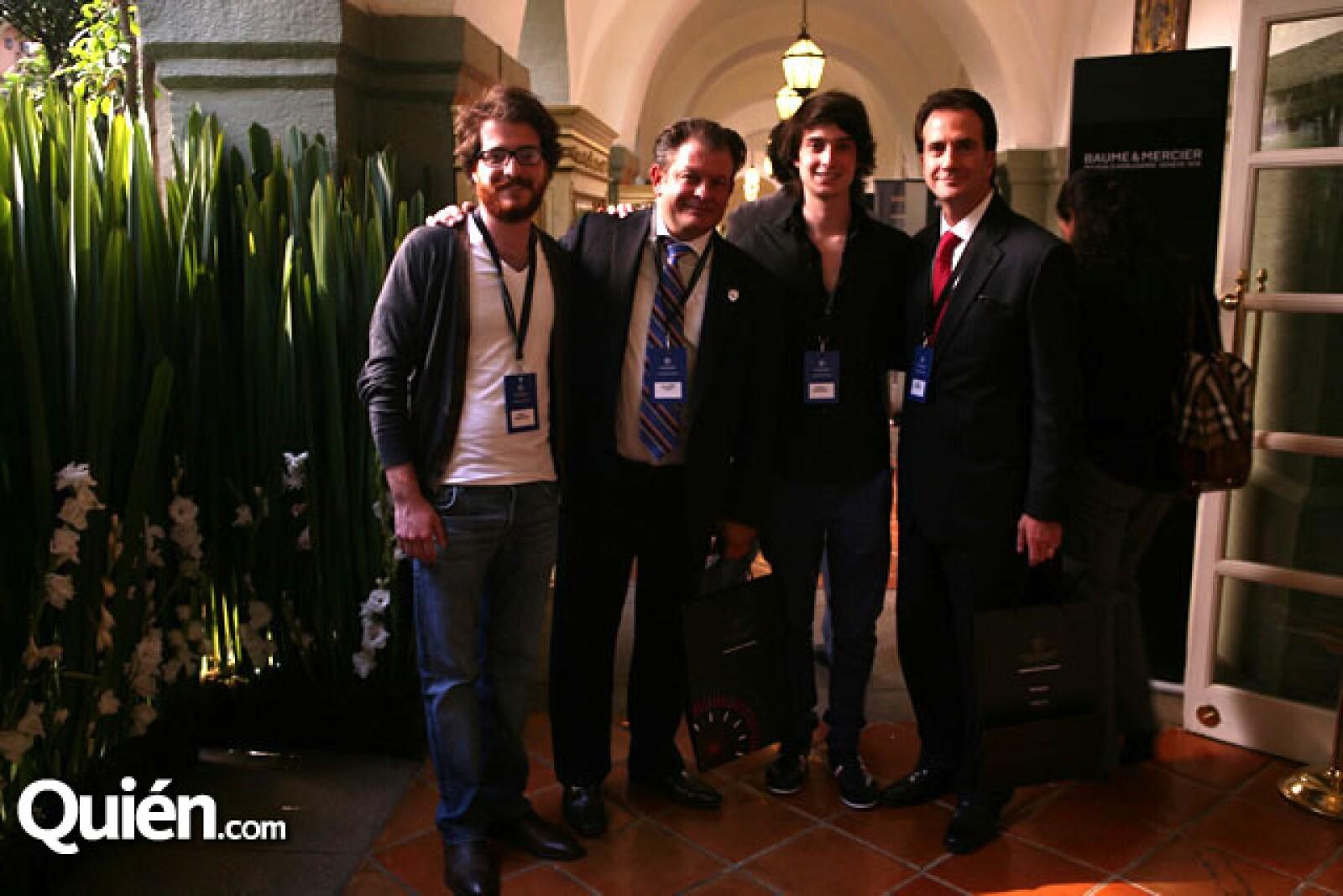 Pablo Mondragón,Billy Steta,Patricio Mondragón,Enrique Mondragón