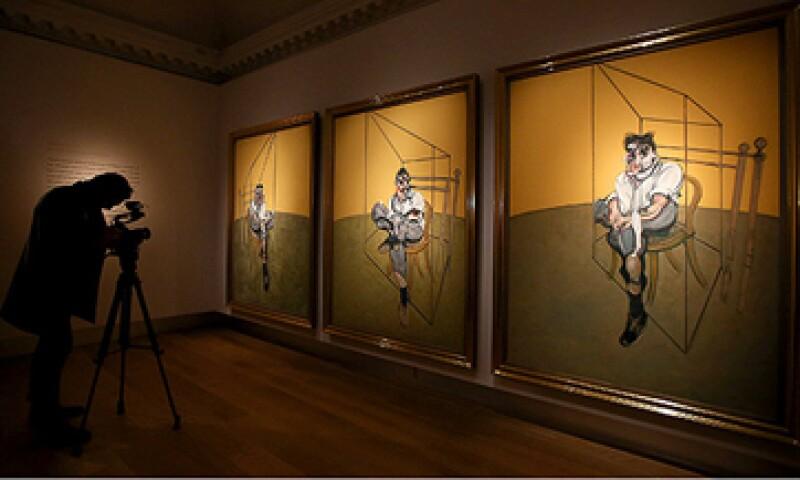 La pintura de Francis Bacon 'Tres estudios de Lucian Freud' se vendió en 142 mdd, el precio más alto por una obra ofrecida en subasta. (Foto: Getty Images)