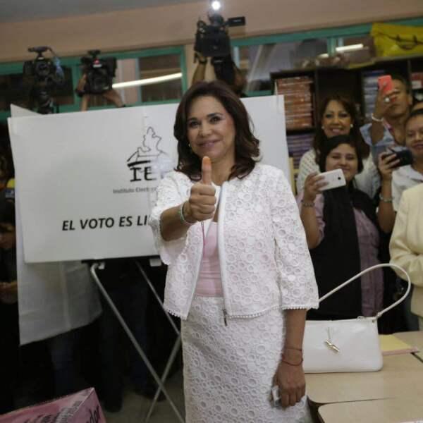Al emitir su voto, la candidata del PRI a gobernadora en Puebla, Blanca Alcalá Ruiz dijo no confiar en el órgano electoral local al considerar que no ha acreditado imparcialidad.