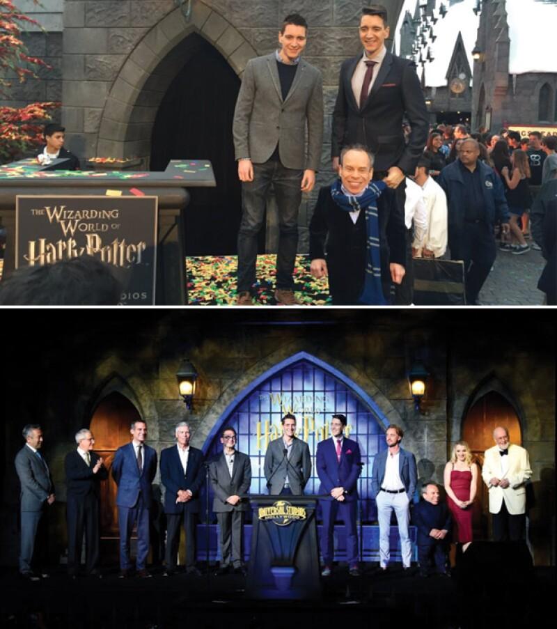 Tom Felton (Draco Draco Malfoy), los gemelos James y Oliver Phelps (Fred y George Weasley), Evanna Lynch (Luna Lovegood) y Warwick Davis (Professor Flitwick).