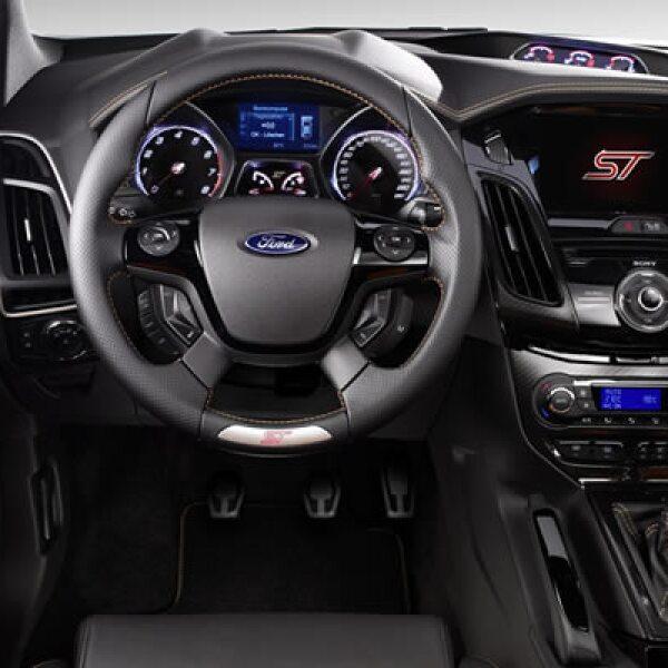 """""""El Auto SIAG del Año confirma nuestro compromiso de ofrecer calidad, tecnología y experiencia a nuestros consumidores"""", dijo Gabriel López, CEO de Ford de México."""