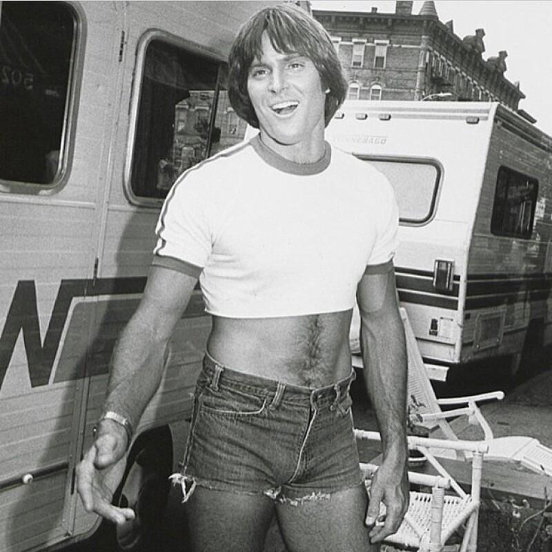 Así se veía Bruce Jenner en la década de los 80, solo unos años antes de iniciar su transición.