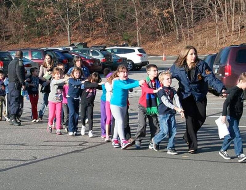 Una fuente con conocimiento de la investigación dijo que entre los fallecidos hay 10 niños.