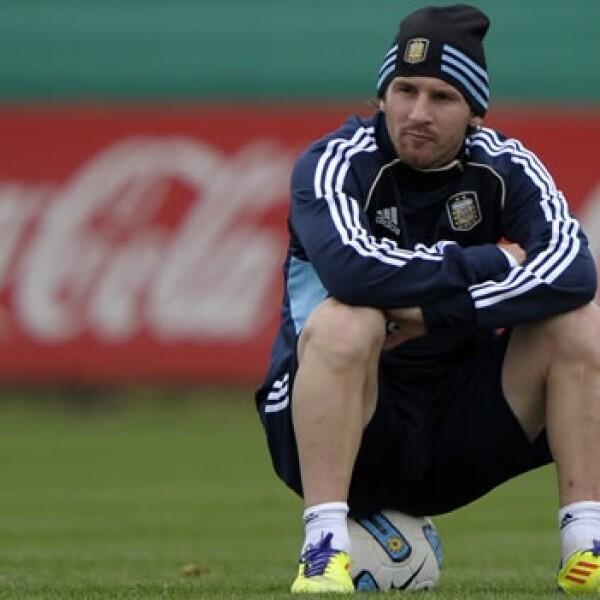 Lionel Messi entrena con la selección argentina