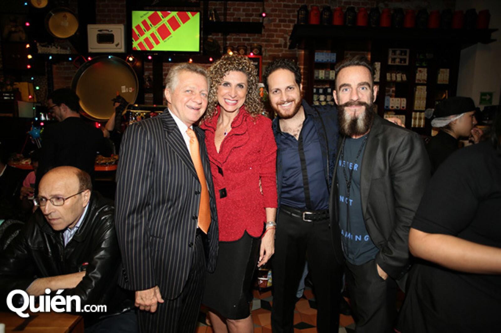 Carlos, Ivonne y Alberto Sacal con Michel Rojkind