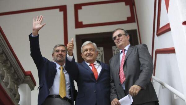 AMLO y Juan Ramón de la Fuente