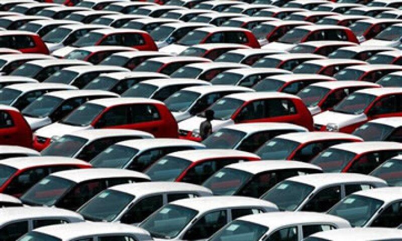 México exporta la mayor parte de su producción de automóviles a EU. (Foto: AP)