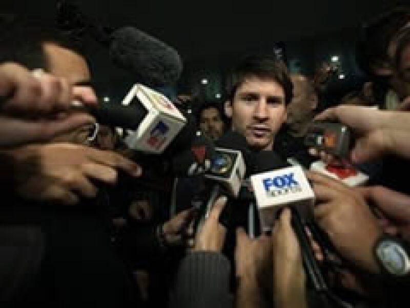 El futbolista argentino, Lionel Messi, junto al equipo Barcelona tienen el mayor impacto mediático en su sector.  (Foto: AP)