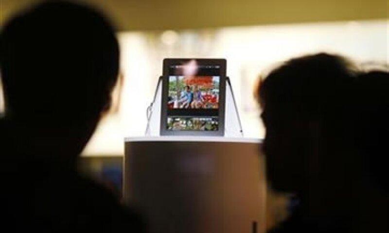 El grupo comenzó las investigaciones ante reportes en línea que apuntaban a que la iPad se sobrecalentaba. (Foto: Reuters)