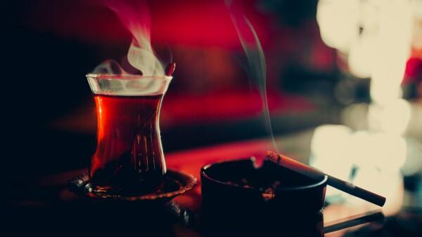 té y cigarro