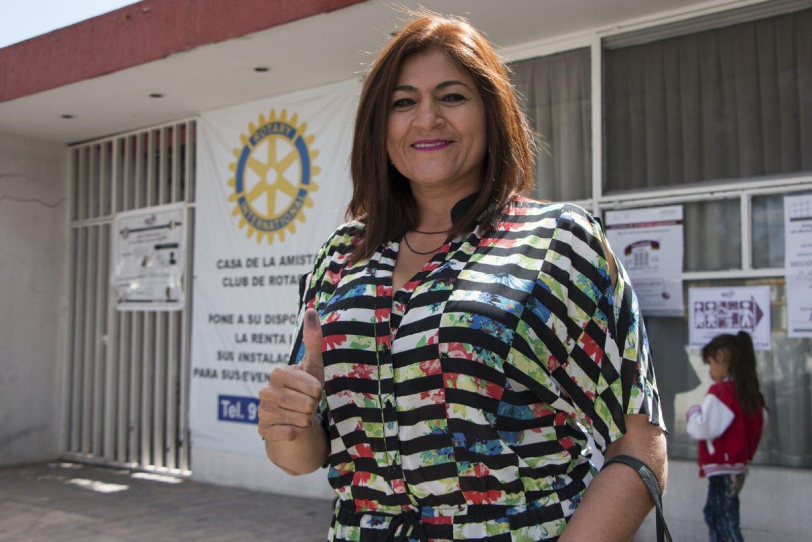 Por la mañana, la candidata de Morena en Aguascalientes, Nora Ruvalcaba, votó en la capital del estado.