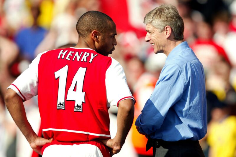 Arsene Wenger y Thierry Henry