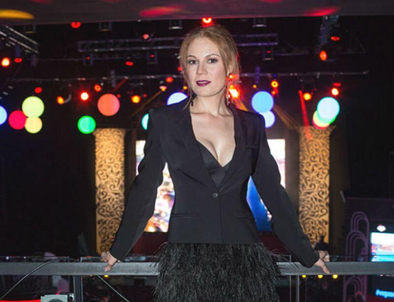 La cantante de Kabah se encuentra preparando las coreografías y canciones para su próxima gira, donde confiesa cómo es la convivencia con sus propios compañeros y los de OV7.