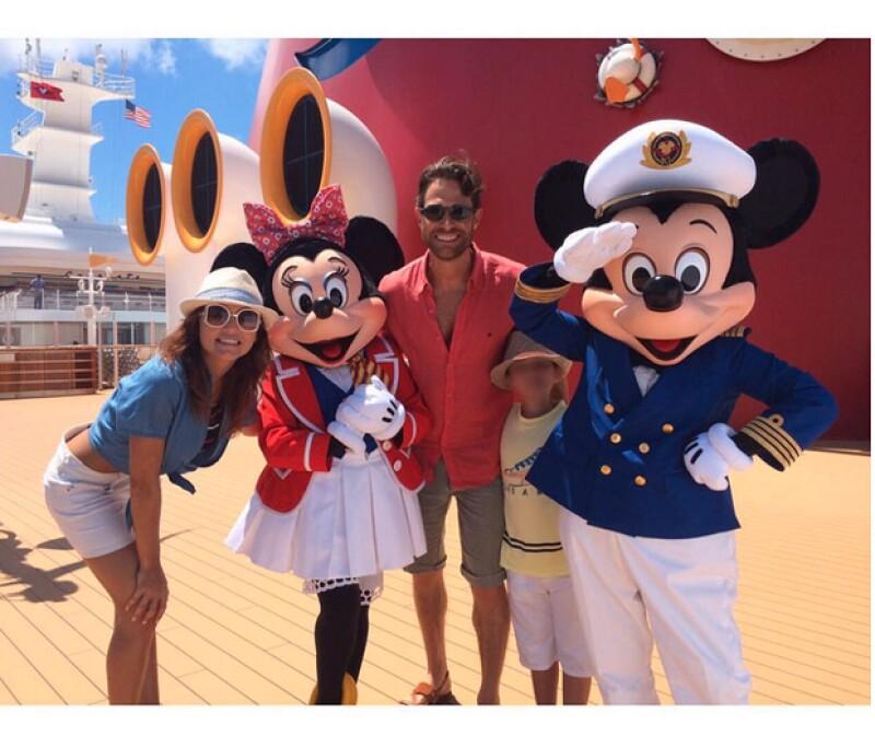Divertidas vacaciones de verano, la pareja de actores aprovechan el paseo en el Crucero Disney.