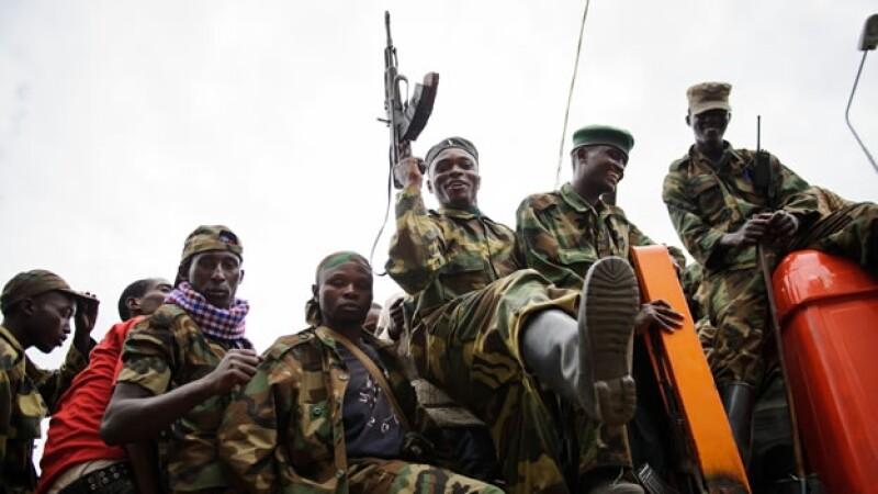 Combatientes del grupo M23 celebran una victoria