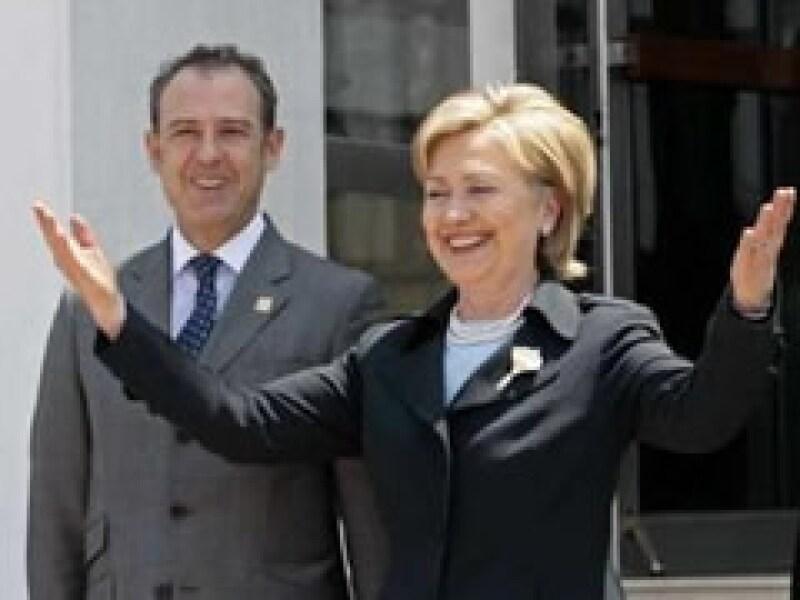 Hillary Clinton realiza una visita oficial de dos días en México. (Foto: Reuters)