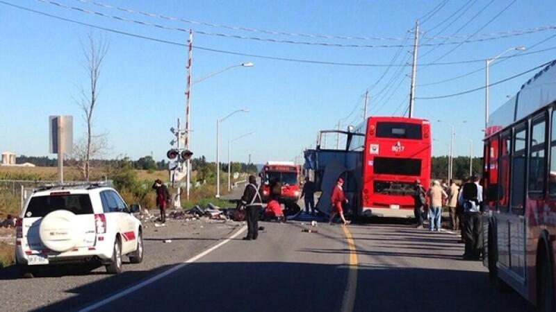 accidente de tren y autobus