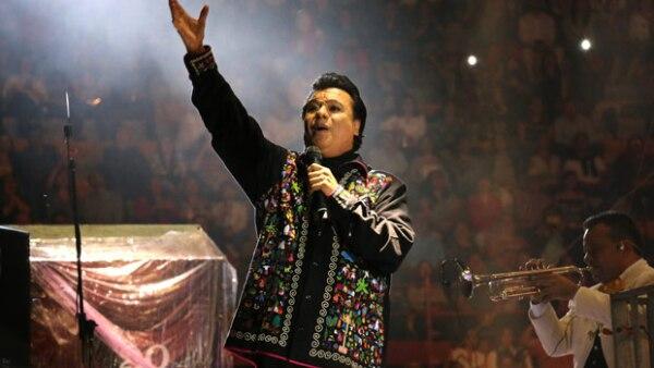 Después de su columna publicada en un medio de circulación mexicano, el Consejo Nacional para Prevenir la Discriminiación solicitó diversas medidas percautorias al ex director de TV UNAM.