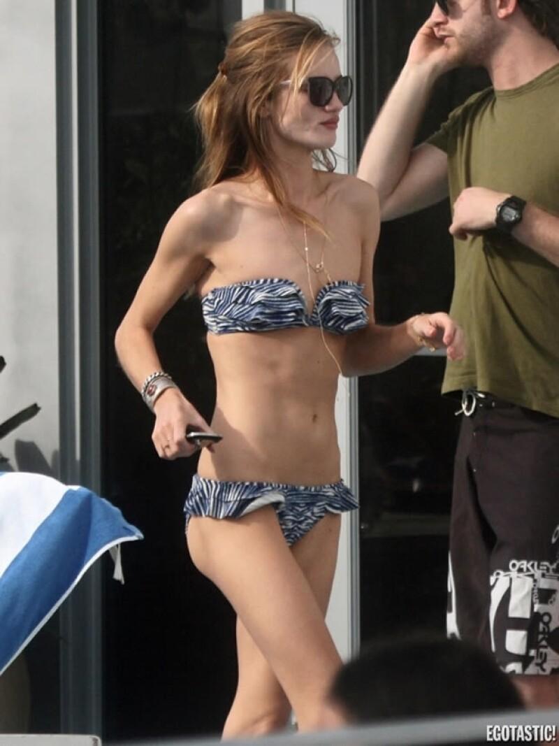 La modelo y actriz se encuentra de vacaciones en Miami y sorprendió a muchos porque luce más delgada que nunca en bikini.