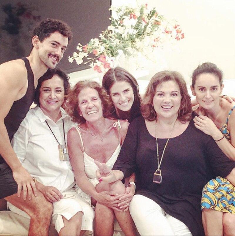 Recientemente, Karla Souza, Luis Gerardo Méndez y Ana de la Reguera se reunieron con sus respectivas mamás.