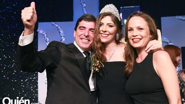 Roberto Rodríguez,Mariana Rodríguez y Nora Tassinari de Rodríguez