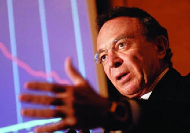 Guillermo Ortiz tendrá que dejar su cargo en el Banco de Pagos Internacionales al terminar su mandato en Banxico.  (Foto: archivo)