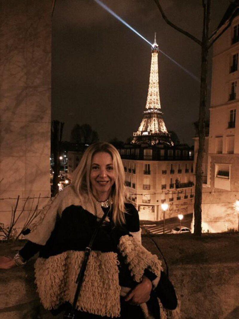 Como parte de sus vacaciones de Semana Santa, la actriz viajó con su familia a la ciudad de la luz, donde visitó icónicos lugares como la torre Eiffel y el museo Louvre.