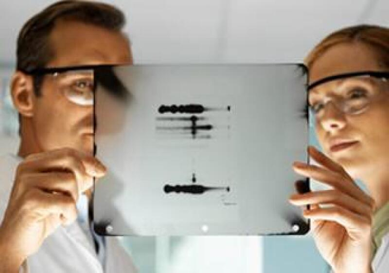adn-laboratorio-cientifica-investigacion-cientifico