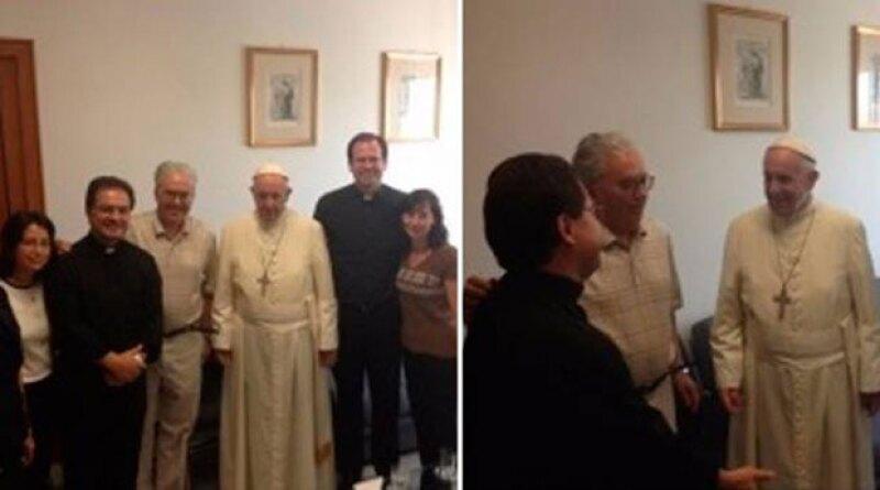 El Papa Francisco sorprendió a varios el día de ayer al salirse del protocolo en dos ocasiones.